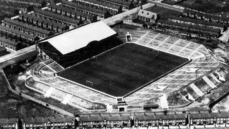 «Мейн Роуд», Манчестер 1923-2003 Манчестер Сити аралығындағы  клубының алаңы